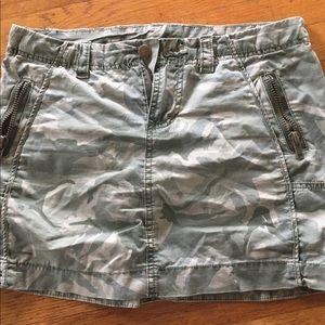 Lux camo mini skirt